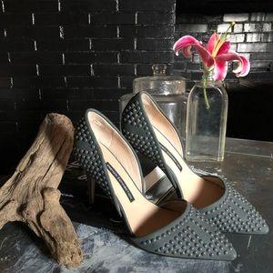Grey pointed toe, high heel, stilettos 👠
